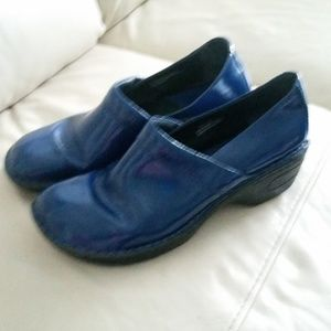 Born Patent Leather Blue Clogs 9.5 *see pics
